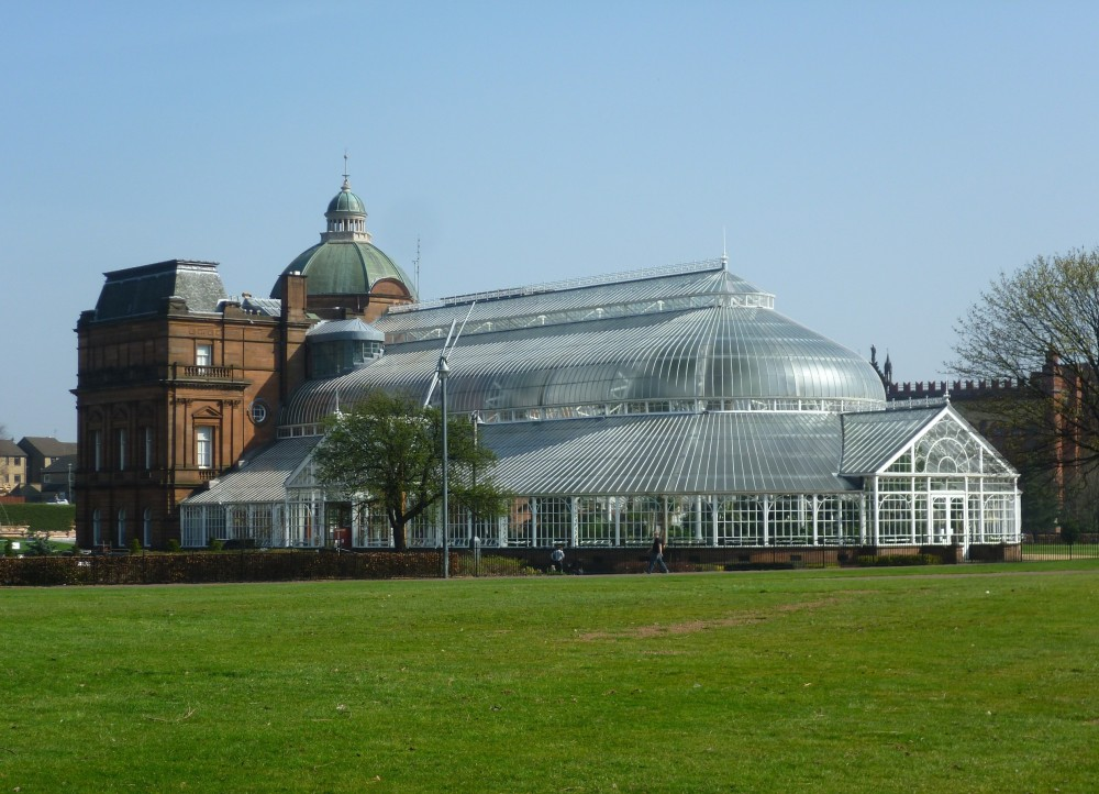 People's_Palace_and_Winter_Gardens,_Glasgow_Green.JPG